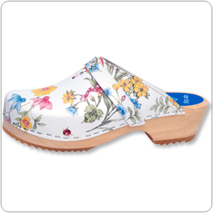 Spring Bouquet Clog By Cape Cl